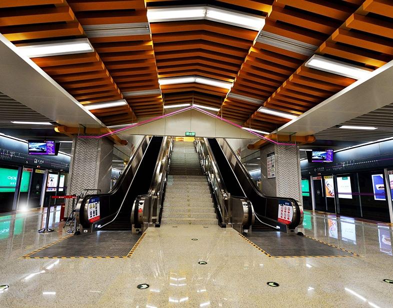 地铁候车厅